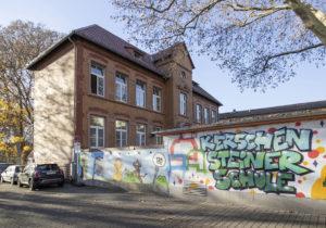 Historisches Gebäude Kerschensteiner Schule in Frankfurt Hausen